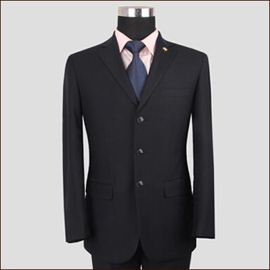 黑色正装职业装款男士三粒扣西装款式图